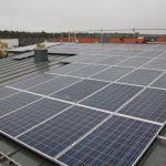 Die fertige Photovoltaikanlage auf dem Norddach in Erlangen.