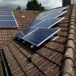 Restliche Solarmodule der insgesamt vier Dachflächen