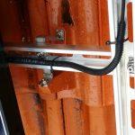 Alle Stringleitungen werden zu Ihrer Sicherheit an Schienenkreuzungen mit einem UV-beständigen Schutzschlauch versehen.